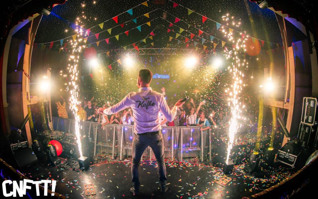 plein Udenhout cnftt! confetti feest jeugd duikboot event