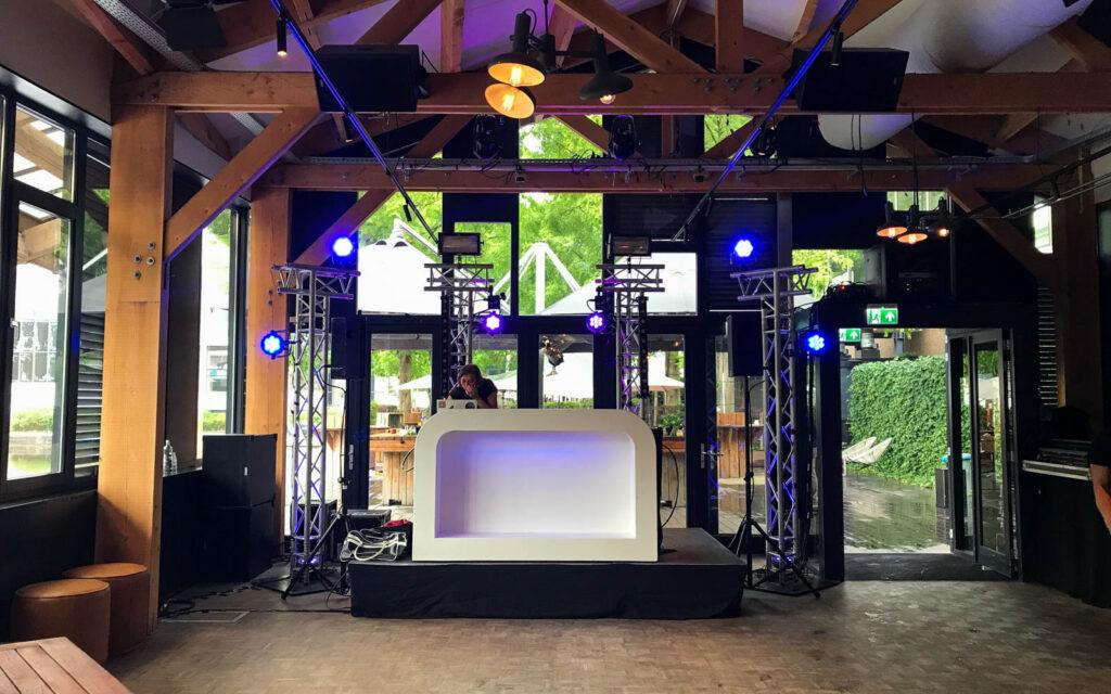 DJ show Amsterdam strand zuid
